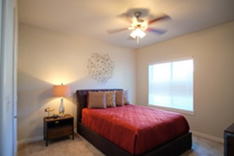 Bedroom at Listing #289428
