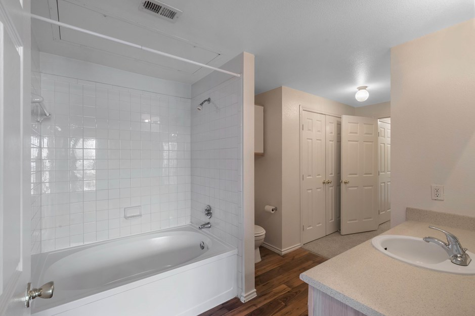 Bathroom at Listing #137954