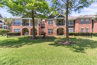 Exterior at Listing #137822