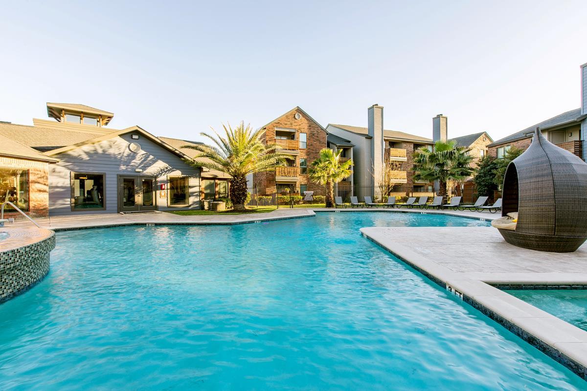 Pool at Listing #139244
