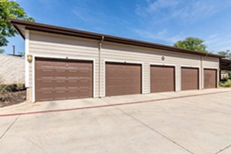 Garages at Listing #150357