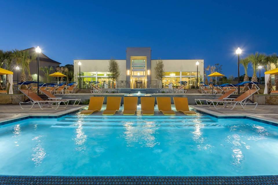 Pool at Listing #281157