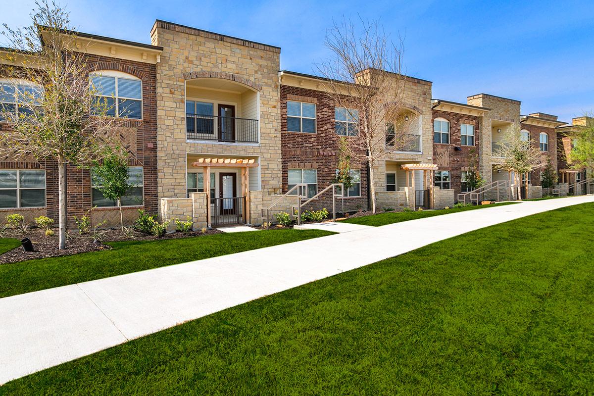 Stratus Phillips Creek Ranch Apartments Frisco TX