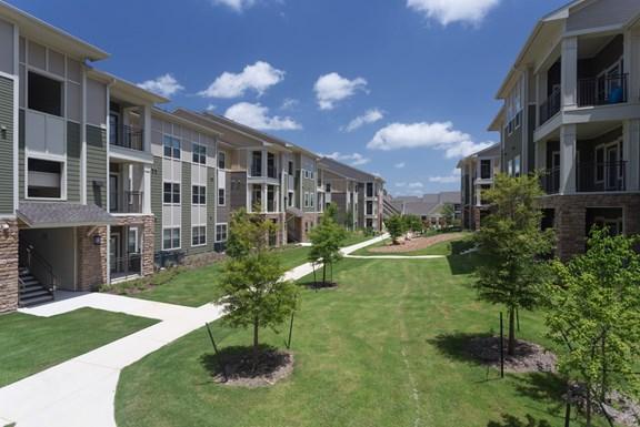 Encore 281 Apartments