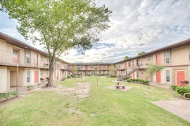 Royal Wayside Apartments Houston TX