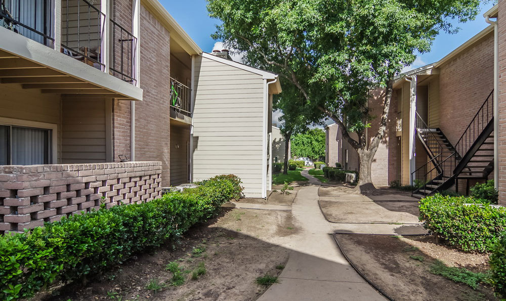 Exterior at Listing #139577
