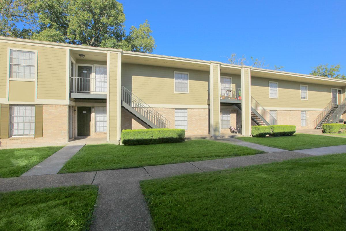 Exterior at Listing #138306