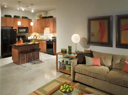 Living at Listing #256591