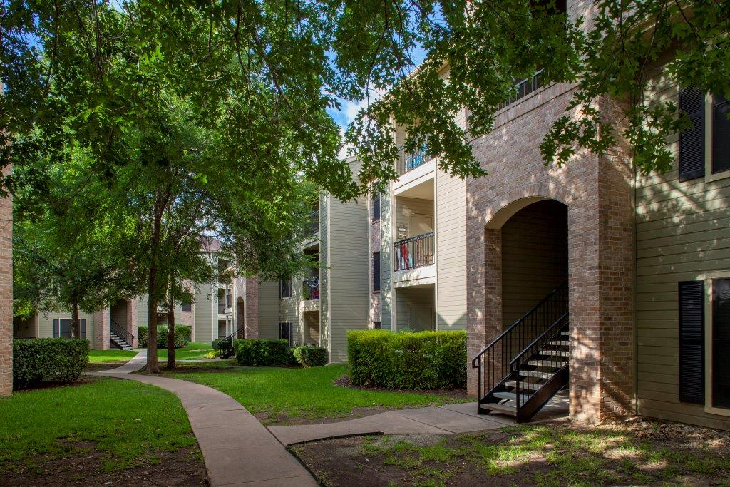 Exterior at Listing #140520