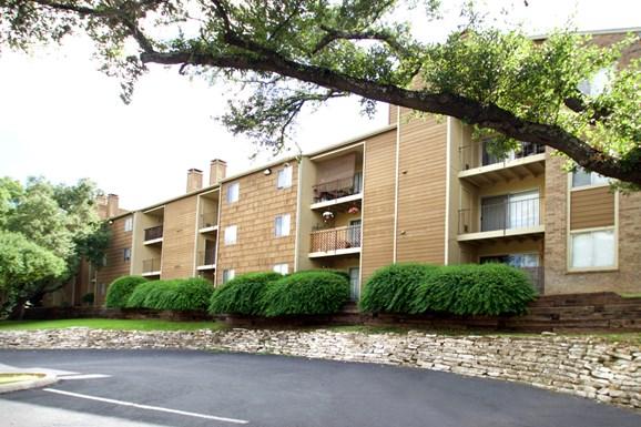Villas of Oak Creste Apartments