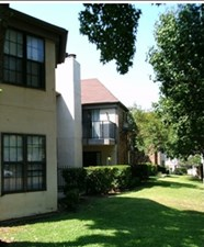 Exterior at Listing #135916
