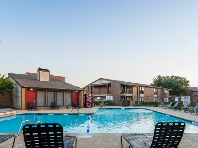 Pool at Listing #136938