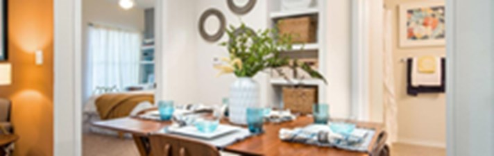 Dining at Listing #137784