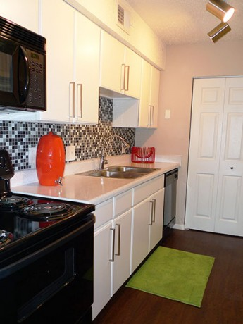 Kitchen at Listing #140562