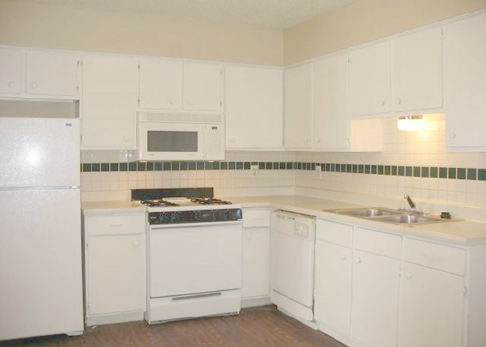Kitchen at Listing #141256