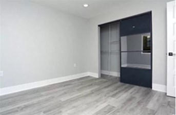 Bedroom at Listing #308198