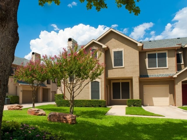 Kensington by the Vineyard Apartments Euless TX