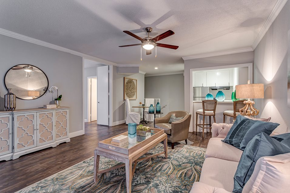 Living Room at Listing #138768