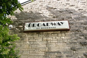 Broadway at Listing #140389