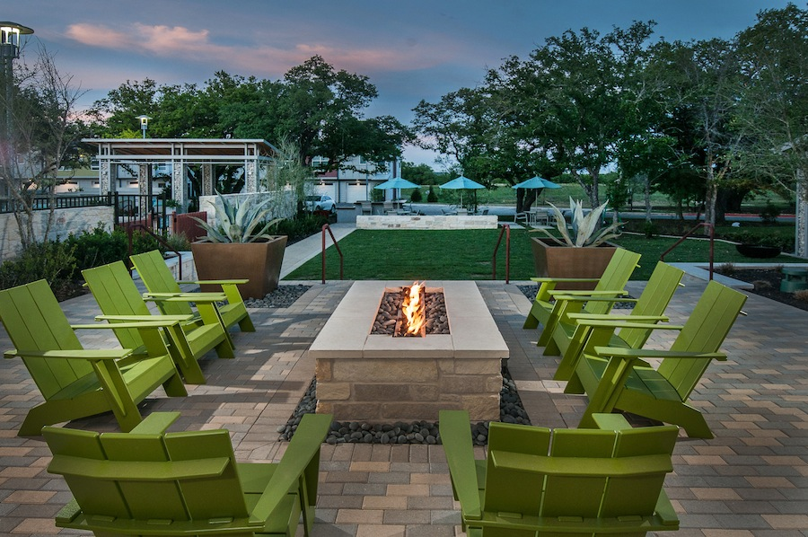 Fire Pit at Listing #280593