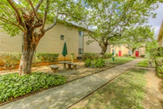 Exterior at Listing #136978