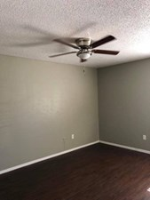 Bedroom at Listing #136823