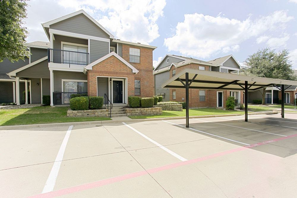 Exterior at Listing #137844