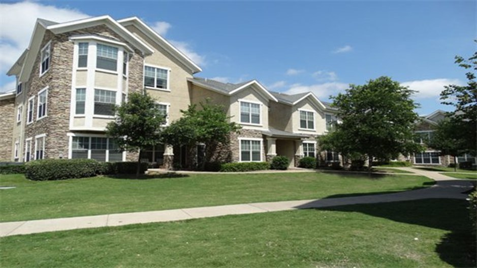 Delafield Villas Apartments