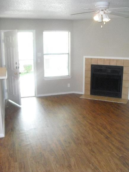 Living at Listing #140428