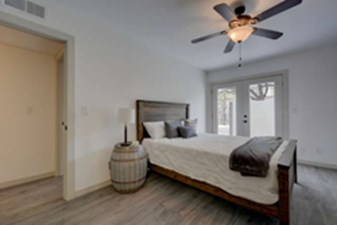 Bedroom at Listing #140213