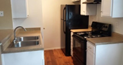 Kitchen at Listing #139553