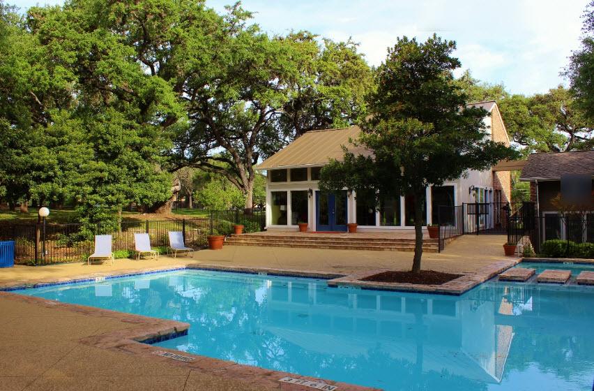 Pool at Listing #141171