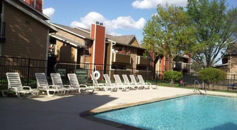 Pool at Listing #135637