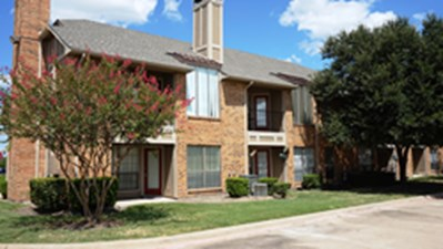 Exterior at Listing #136365