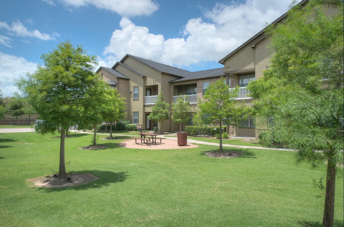 Villas at Shadow Creek Ranch II Apartments Pearland TX