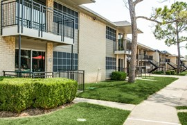 Terraces on the Parkway Apartments Grand Prairie TX
