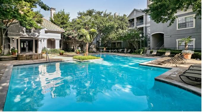 Pool at Listing #137417
