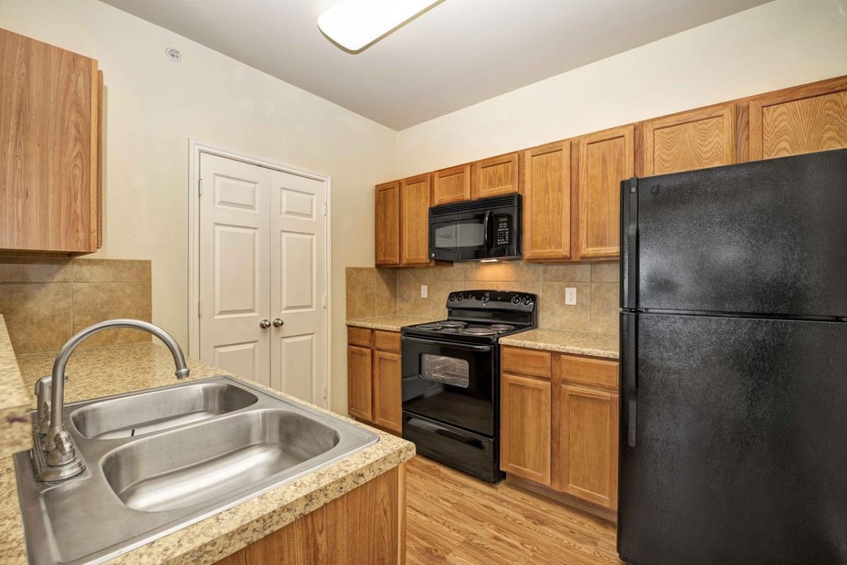 Kitchen at Listing #146200