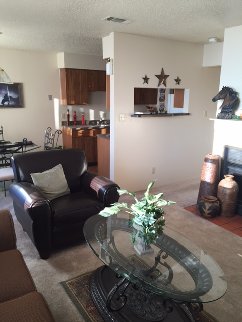 Living Area at Listing #137108