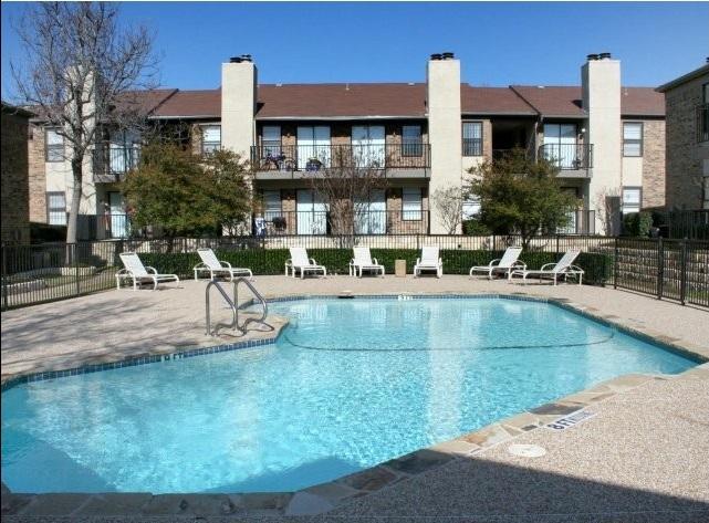Pool at Listing #135916