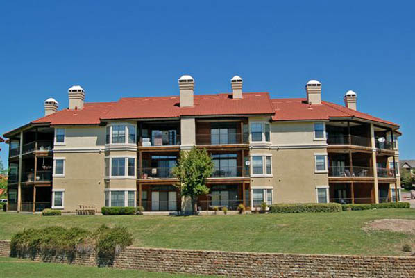 Waters Edge Apartments Plano, TX