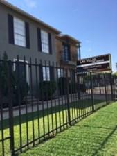 Las Villas Del Parque at Listing #139799