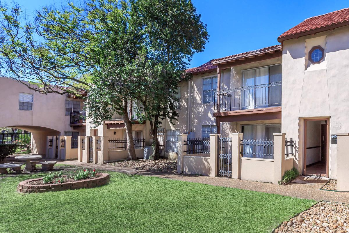 Exterior at Listing #144050