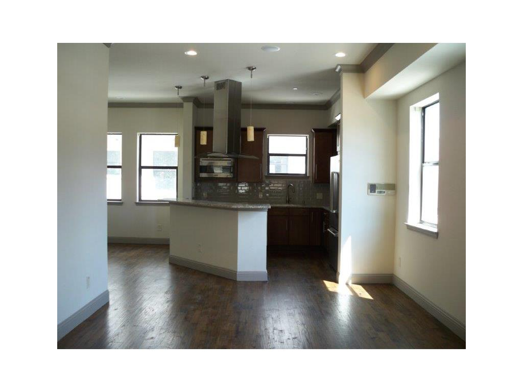 Dining/Kitchen at Listing #281932