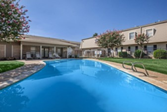 Pool at Listing #137182