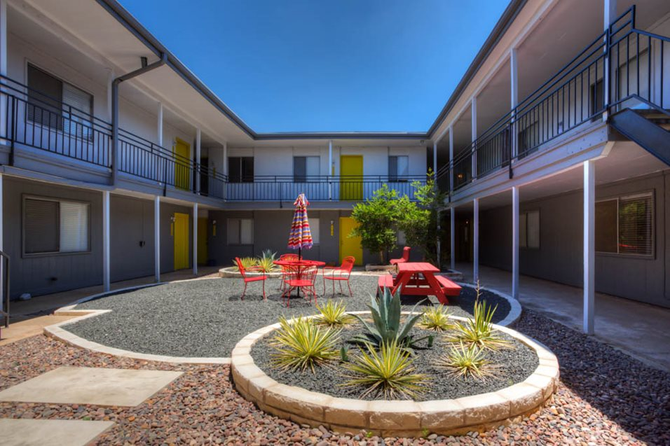 Courtyard at Listing #140536
