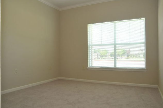 Bedroom at Listing #236618