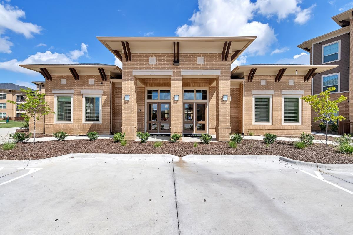 Exterior at Listing #276854