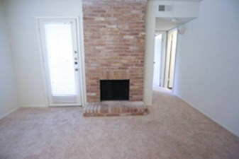 Living at Listing #140437