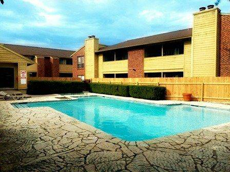 Pool at Listing #140399